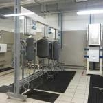 У водонагревателя Ariston (Аристон) тестируют надёжность крепёжного кронштейна
